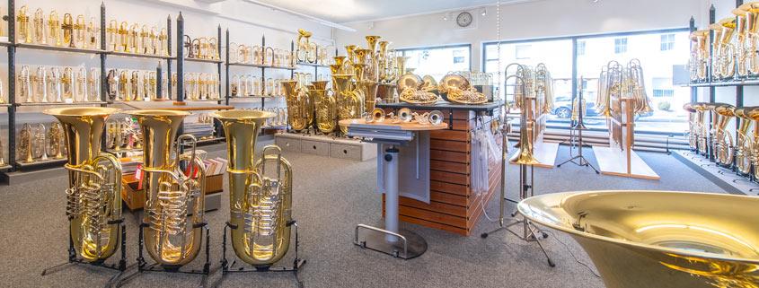 Das Blechblasparadies im Musikhaus Beck. Blechblasinstrumente, hochwertige, große Auswahl im Musikhaus Beck