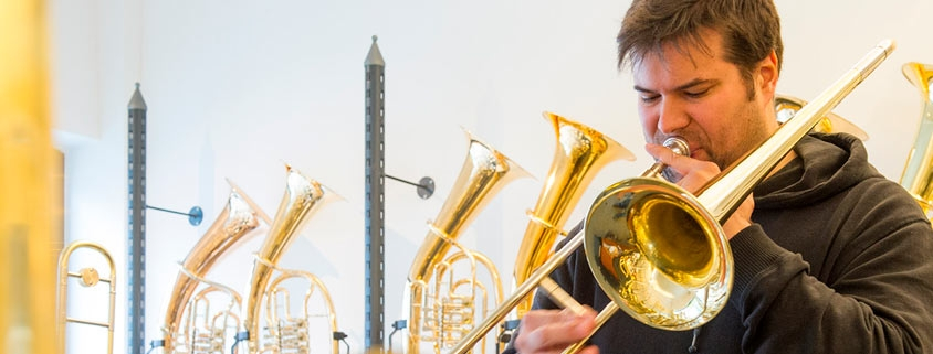"""Carlos Martin, Professor für Jazzposaune in San Sebastian mit seiner Beck """"Marylin"""""""