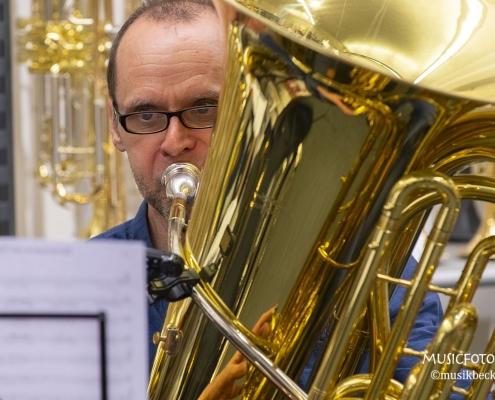 Fett! Tubaworkshop mit Peter Laib, Moop Mama und die Egerländer im Musikhaus Beck.