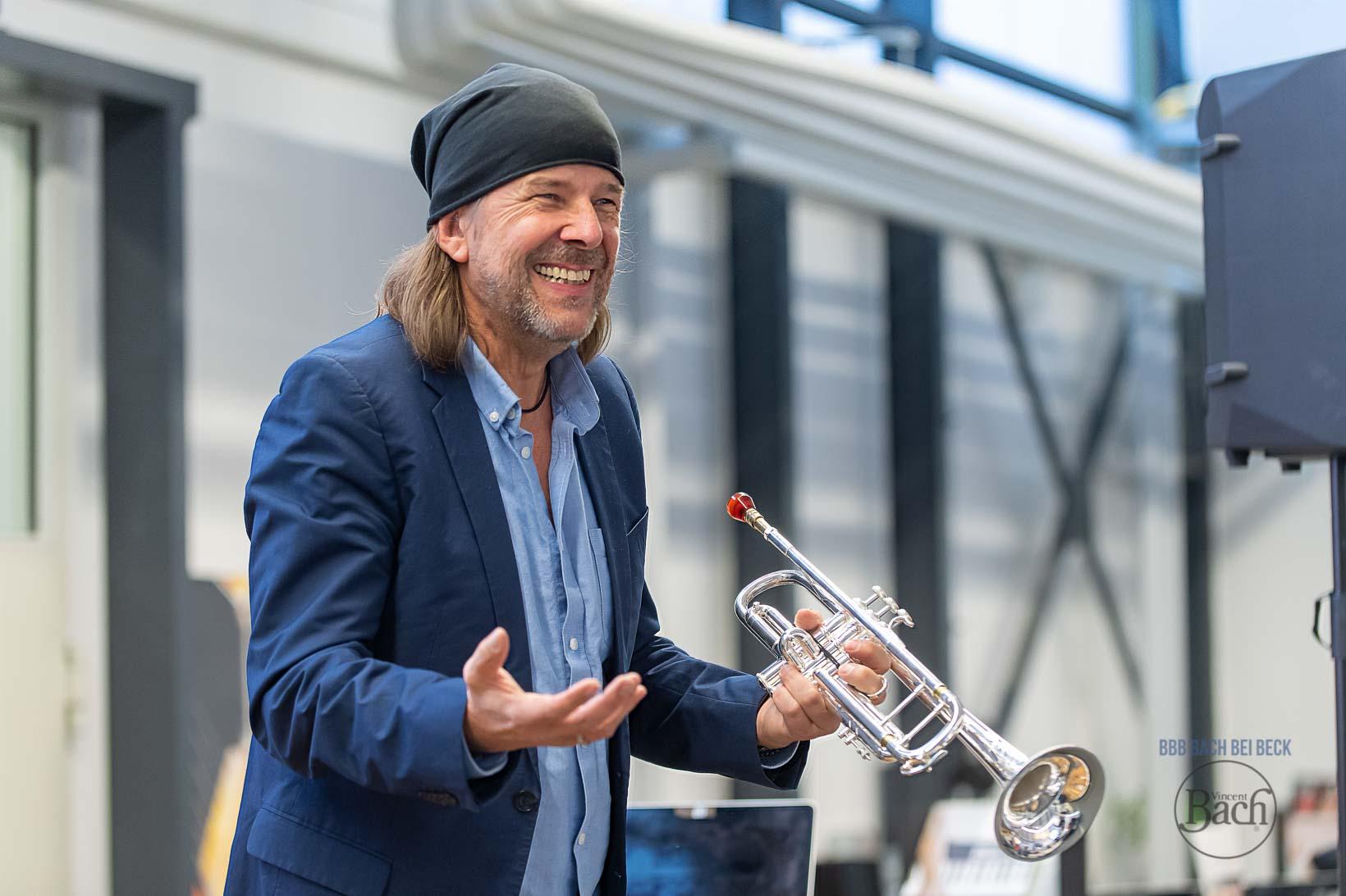 Bach Stradivarius Trompeten und Posaunen im Pro Brass Studio Musikhaus Beck. Vergleiche und teste auch Instrumente anderer Hersteller.