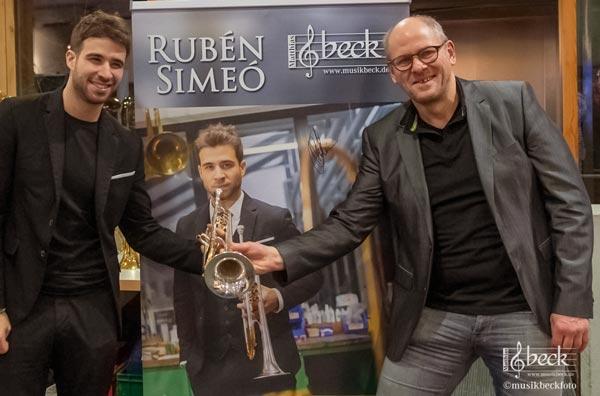 Matthias Beck referiert über den Trompetenbau auf der BRAWO Stuttgart